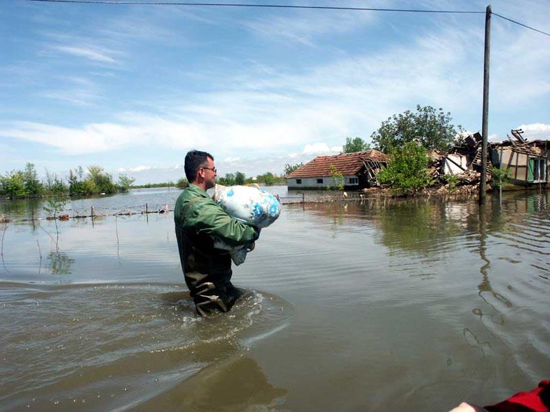 300 pari čizama ugroženima od poplava